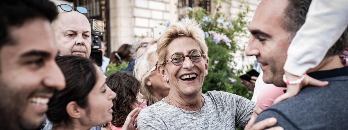Pourquoi Isabelle Balkany, condamnée pour fraude fiscale, a-t-elle pu remplacer son mari à la mairie de Lev...