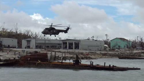 """VIDEO. """"Dorian, c'est bien pire qu'Irma"""" : des soldats français mobilisés aux Bahamas après le passage de l'ouragan"""