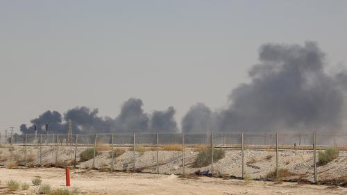 La production de pétrole de l'Arabie saoudite chute de moitié après une attaque de drones