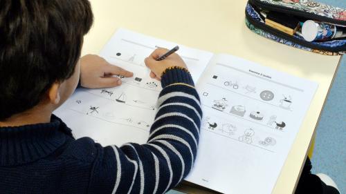 """Évaluation nationale en CP : """"Les enseignants craignent que l'on étiquette trop tôt les élèves"""", selon le syndicat SNUipp"""