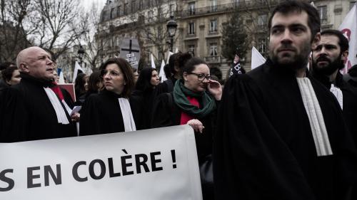 DIRECT. Retraites : les avocats en grève contre le système universel avant une manifestation des professions libérales