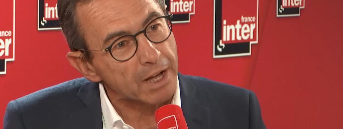 """VIDEO. Ouverture de la PMA à toutes les femmes : """"Il faut être prudent"""", prévient Bruno Retailleau"""