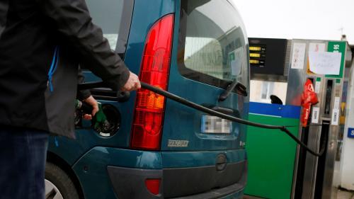 """Le gouvernement """"n'envisage pas de hausse de la taxe carbone en 2020"""""""