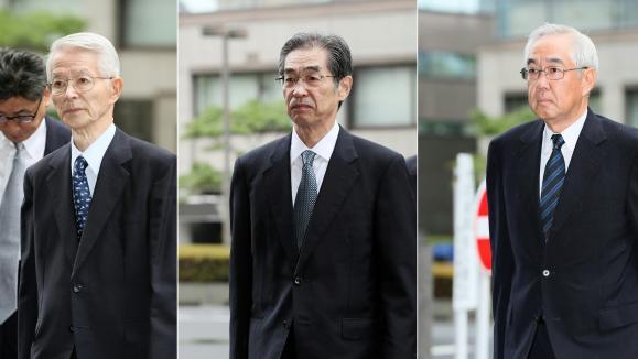 Les trois anciens dirigeants de Tepco avant leur procès au Japon, en juin 2017.