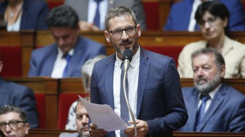 """Débat sur l'immigration : le député Matthieu Orphelin va céder son temps de parole au RN pour faire """"un geste démocratique"""""""