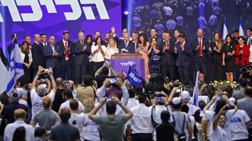 Législatives en Israël : trois questions sur le casse-tête politique qui s'annonce après les résultats très serrés des élections