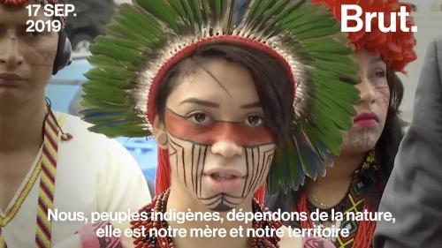 """VIDEO. """"L'atmosphère de la planète n'a pas de frontières"""" : le message d'Artemisa Xakriabá adressé à Donald Trump et Jair Bolsonaro"""