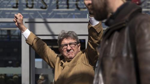 """DIRECT. """"Ne parlez pas si fort"""" : passe d'armes entre Mélenchon et l'avocat Dupond-Moretti lors du procès des """"insoumis"""""""