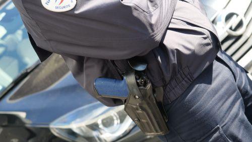Un policier se suicide au commissariat de Louvroil (Nord) avec son arme de service, le 50e en 2019