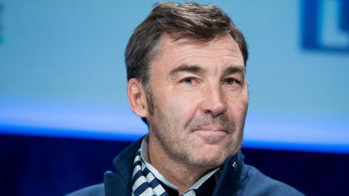 """Rugby : """"Ça fait du bien d'avoir le vent dans le dos, pour une fois"""", se réjouit Franck Mesnel après la victoire des Bleus sur l'Argentine"""