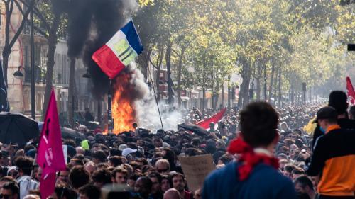 Black blocs et violences perturbent la Marche pour le climat à Paris