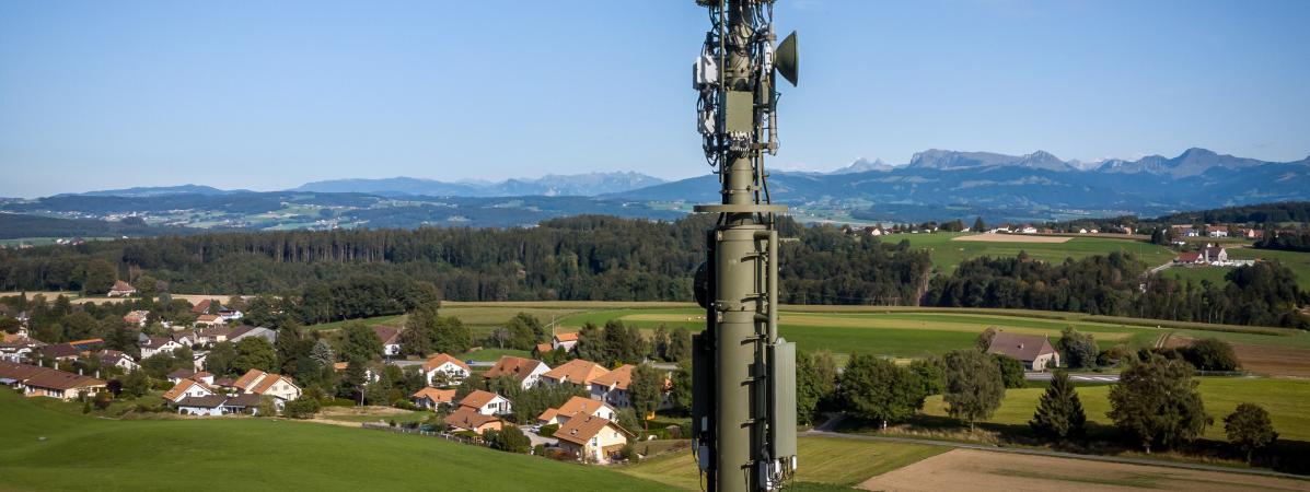 """""""On est traités comme des cobayes"""" : en Suisse, la fronde contre la 5G prend de l'ampleur"""
