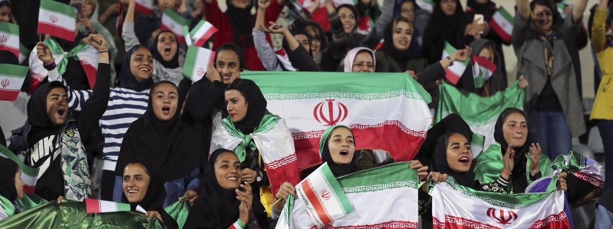 """Iran : la Fifa se dit """"assurée"""" que les femmes pourront assister au prochain match de l'équipe nationale de..."""