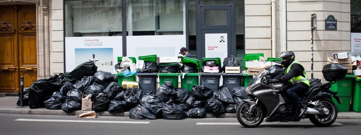 """Le journal """"The Guardian"""" qualifie Paris d'une des villes les plus sales d'Europe"""