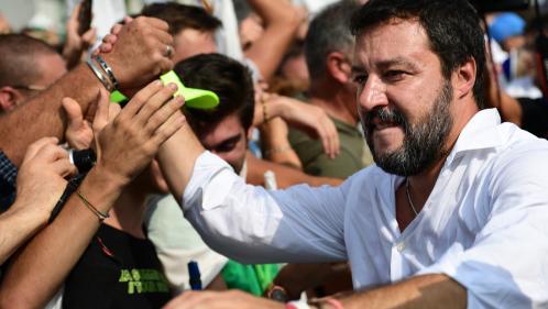 """""""Je ne suis pas raciste mais je veux défendre mon Italie"""" : les soutiens de Matteo Salvini s'organisent contre le gouvernement en place"""