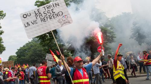 Grève et manifestations : pourquoi les cheminots de la SNCF se mobilisent-ils contre la réforme des retraites ?