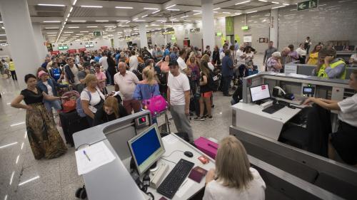DIRECT. Faillite de Thomas Cook : près de 10 000 clients français du voyagiste sont actuellement en vacances