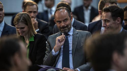 Emmanuel Macron et Édouard Philippe à leur plus haut niveau de popularité depuis plus d'un an selon un sondage