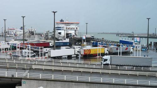 VIDÉO. Le trafic sera-t-il fluide après le Brexit ? Douanes, ferries et port de Calais ont fait un dernier test