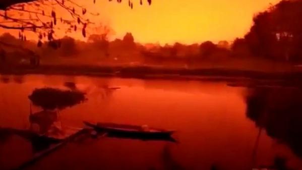 """""""Ce n'est pas la planète Mars"""" : en Indonésie, le ciel devient rouge à cause des incendies"""