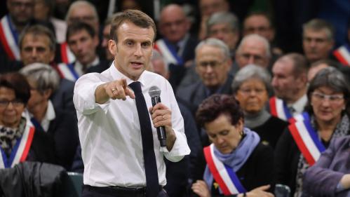 Réforme des retraites : pourquoi Emmanuel Macron choisit-il à nouveau de communiquer via un débat national ?