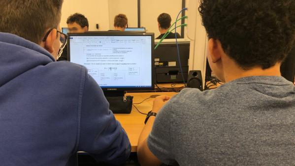 """""""Tout le monde travaille sur informatique"""" : des lycéens racontent pourquoi ils ont choisi la nouvelle spécialité dédiée au numérique"""