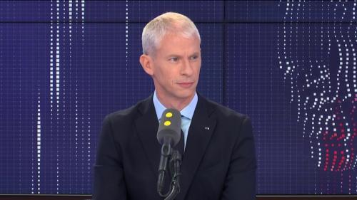"""Une holding pour chapeauter l'audiovisuel public : ce n'est """"absolument pas"""" le retour de l'ORTF, assure Franck Riester"""