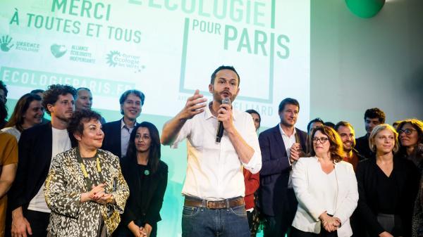 """""""Je préfère la volonté au manque de notoriété"""" : EELV lance sa campagne pour les municipales à Paris avec David Belliard, peu connu du grand public"""