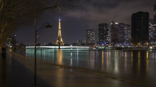 Mort de Jacques Chirac : la tour Eiffel s'éteindra à partir de 21 heures, en hommage à l'ancien président