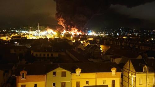 Ce que l'on sait de l'incendie dans une usine classée Seveso de Rouen