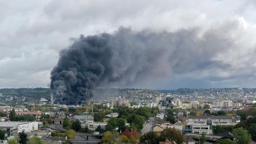 """Rouen : """"Ce genre d'incendies est extrêmement difficile voire impossible à éteindre"""", selon un expert en gestion de crise"""