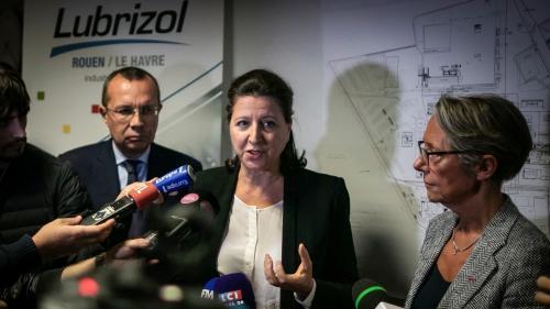 """Incendie à Rouen : """"La ville est clairement polluée, mais les premiers prélèvements sont plutôt rassurants"""", affirme Agnès Buzyn"""
