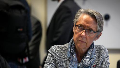 """DIRECT. Incendie à Rouen : """"Pas de polluants anormaux dans les prélèvements effectués"""", assure la ministre de la Transition écologique"""