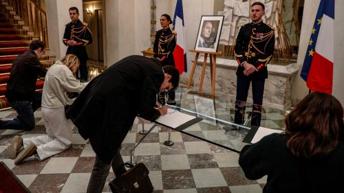 DIRECT. Mort de Jacques Chirac : les registres de condoléances seront remis à la famille de l'ancien président