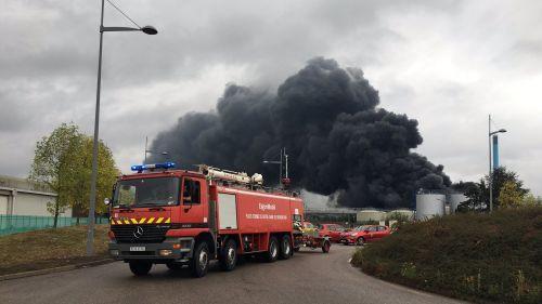 """Incendie de Lubrizol : """"On est tous inquiets, on a respiré quelque chose de pas propre"""", affirme un pompier intervenu sur place"""
