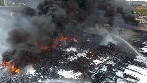 EN IMAGES. Après l'incendie de l'usine Lubrizol, des traces d'hydrocarbures souillent Rouen et sa région