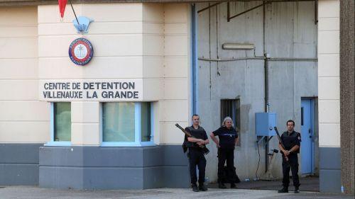 Aube : deux détenus sauvent un surveillant pris en otage dans une cellule