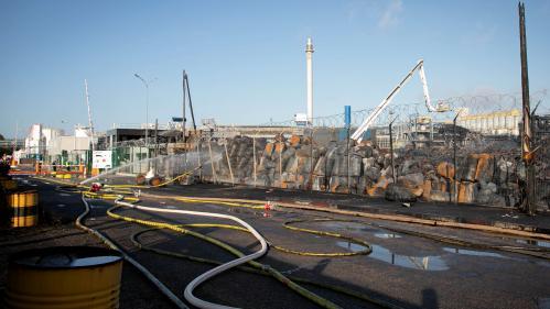 DIRECT. Incendie à Rouen : le Premier ministre Edouard Philippe se rend sur le site de l'usine Lubrizol