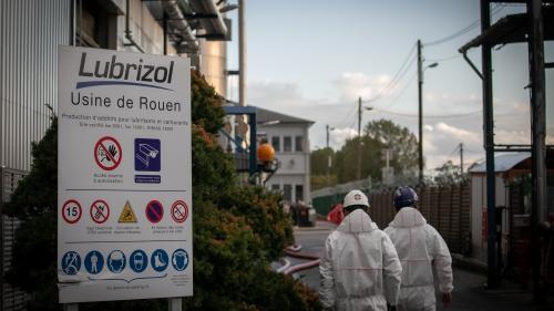 """Incendie de l'usine Lubrizol à Rouen: une plainte contre X a été déposée par la société pour """"destruction involontaire"""""""