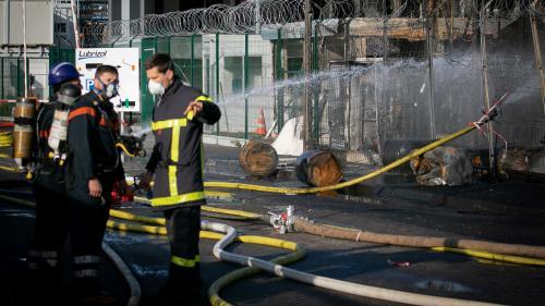 Vomissements, vertiges... Des pompiers et policiers s'inquiètent après leurs interventions sur l'incendie de Lubrizol