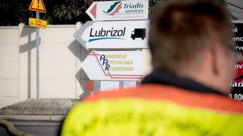 """DIRECT. Incendie de l'usine Lubrizol : """"160 fûts dans un état délicat"""" restent à évacuer, précise le préfet de Seine-Maritime"""