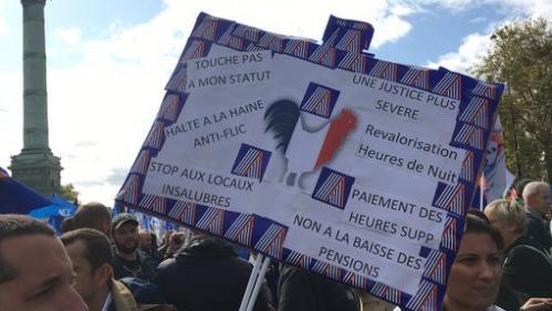 """DIRECT. La """"marche de la colère"""" des policiers réunit 22 000 manifestants à Paris, selon les syndicats"""