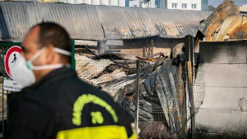 Incendie de l'usine Lubrizol : les autorités ont-elles empêché un pompier d'accéder à ses résultats d'analyses?
