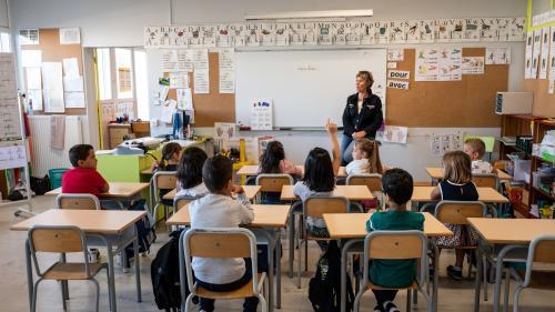 """""""On fait deux boulots en un"""" : les directeurs d'école en ont ras-le-bol"""