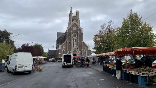 """""""On est un dommage collatéral de Lubrizol"""" : près de Rouen, les producteurs désespèrent de voir le marché déserté"""