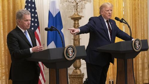 VIDEO. Outré par la procédure de destitution à son encontre, Trump s'en prend à la presse (et embarrasse le président finlandais)