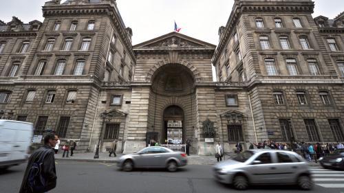 DIRECT. Agression au couteau à la préfecture de police de Paris: une perquisition est en cours au domicile de l'assaillant
