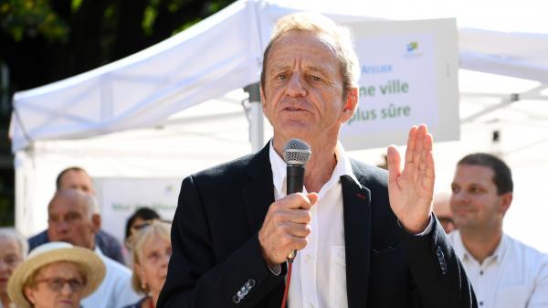 """Municipales à Grenoble : """"ni le combat de ma vie, ni le va-tout"""", estime la tête de liste Alain Carignon"""