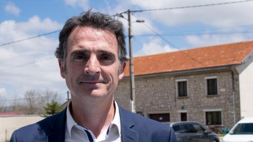 """Municipales 2020 : en tête des sondages, le maire sortant de Grenoble, Éric Piolle, les regarde avec """"beaucoup de détachement"""""""