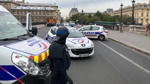 Attaque à la préfecture de police de Paris : un mail de sensibilisation à la radicalisation envoyé à plusieurs administrations